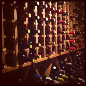 Primeira fotogarfia publicada no artigo Os vinhos que todo enófilo gostaria de beber e colecionar: Borgonhas (Revista Adega)